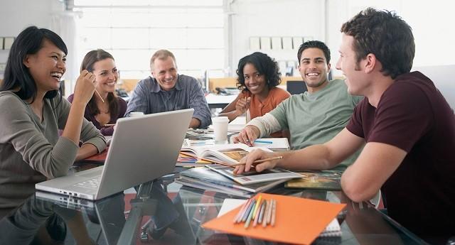 خطرات خستگی در محیط کار  و راهکارهایی جهت ایجاد محیط کاری جذاب